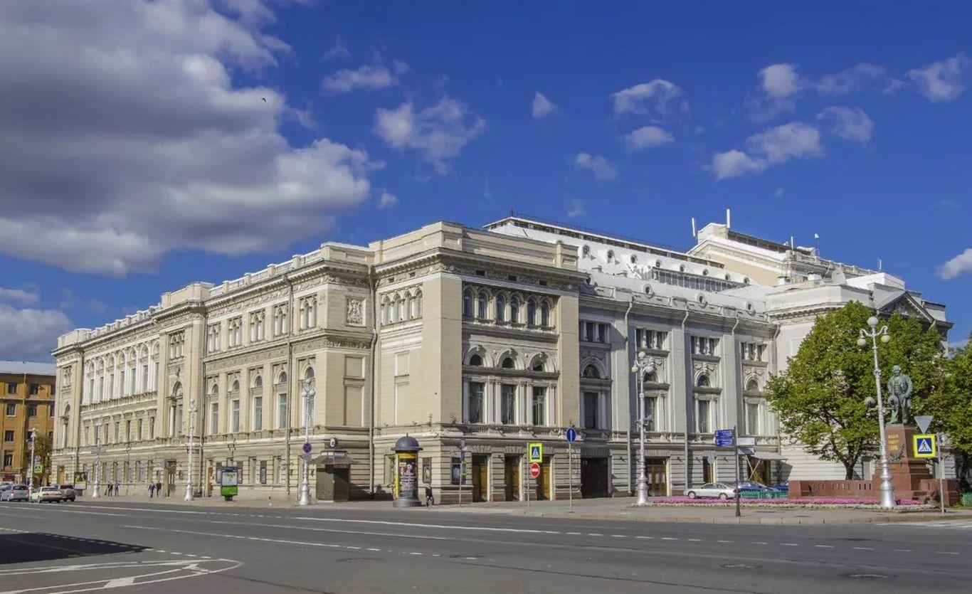 Правительство направит более трех миллиардов на реставрацию петербургской Консерватории. Нужно в пять раз больше