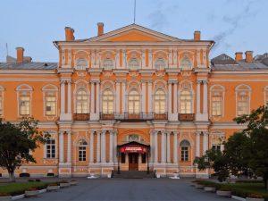 Read more about the article Главгосэкспертиза разрешила отремонтировать дворец Воронцова в Петербурге!!!